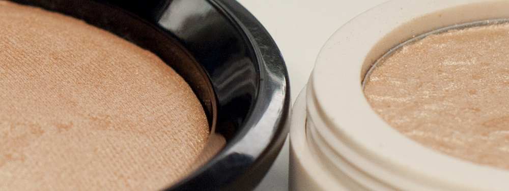 Versus: MySecret Face Illuminator Powder VS Lovely Gold Highliter