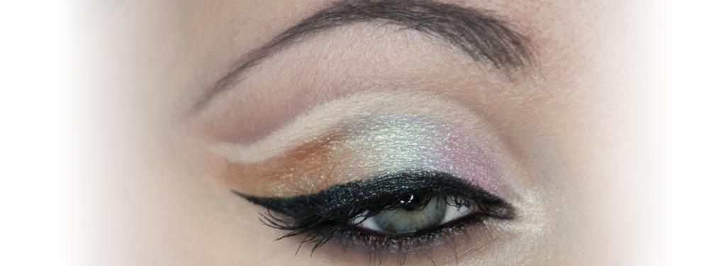 Make-up: Cut Crease z wykorzystaniem cieni duochrome – Tutorial